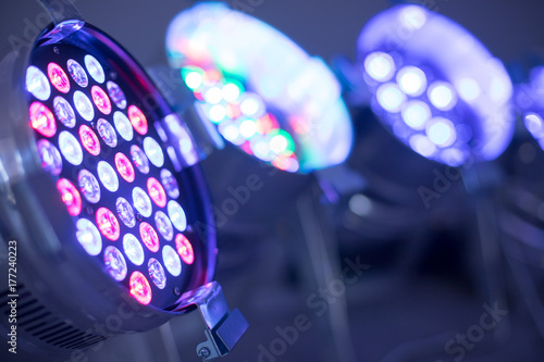 Obraz LED Veranstaltungsscheinwerfer, farbig - fototapety do salonu