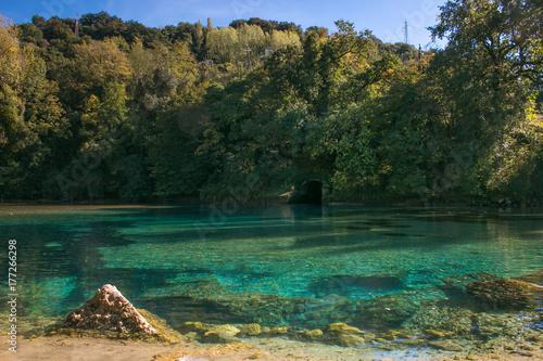 Valokuva  Angolo di paradiso in umbria: acqua turchese del fiume Nera