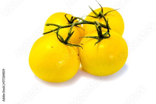 Leinwand Poster Gelbe Rispentomaten tomaten tomate rispentomate isoliert freigestellt auf weißen