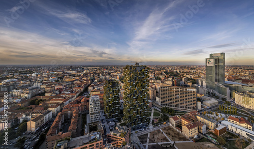 Photo sur Aluminium Milan Panoramic city
