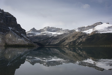 Panel Szklany Podświetlane Czarno-biały jeux de miroir des lacs canada
