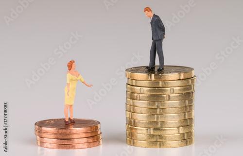 Fotografía  Ungleiche Bezahlung, Mann und Frau