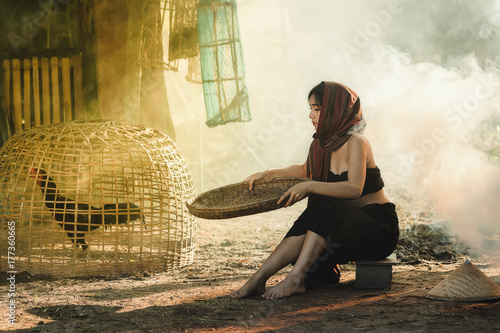 Foto  Lifestyle of rural Asian women in the field countryside thailand