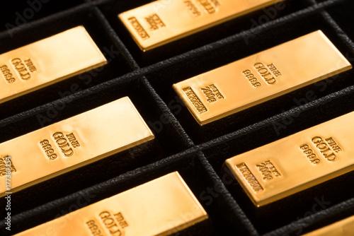 Türaufkleber Darknightsky Gold Ingots Storage in Black Box