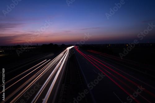 Keuken foto achterwand Nacht snelweg Autobahn bei Nacht, Strassenverkehr nachts