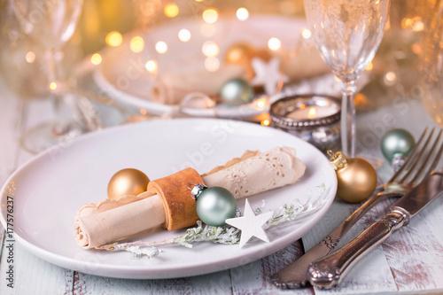 Festlich Gedeckter Tisch Zu Weihnachten Buy This Stock Photo And