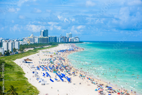 Fototapeta South Beach, Miami Beach. Tropikalny i rajski wybrzeże Floryda, usa. Widok z lotu ptaka.
