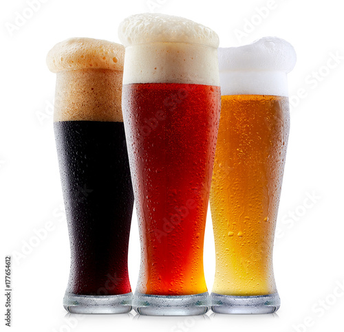 Poster de jardin Bar Mug collection of frosty dark red and light beer with foam isolated on a white background