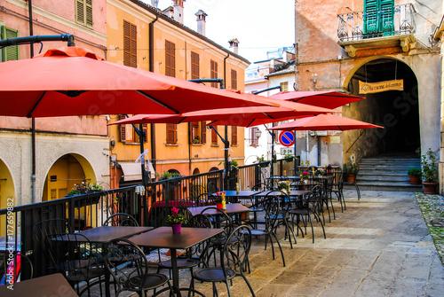 Foto auf AluDibond Gezeichnet Straßenkaffee the red cofee