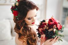 Beautiful Brunette Bride Weddi...