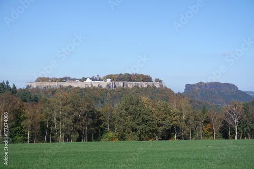 Zdjęcie XXL Zamek Königstein w środku Szwajcarii Saksońskiej