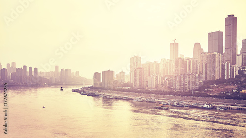 Fototapeta Chongqing nabrzeże przy zmierzchem, koloru tonowanie stosować, Chiny.