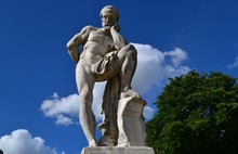 Inspirational Statue Of Gaius Marius, Consul Of The Roman Republic, Looking To The Ruins Of Carthage,  Tourist Attraction In Luxembourg Garden, Paris, France