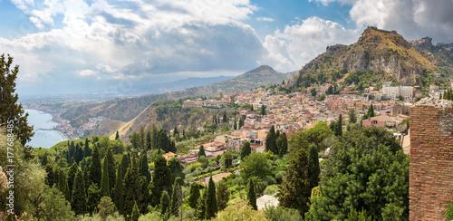 Fotobehang Marokko Panoramic view of Taormina on Sicily
