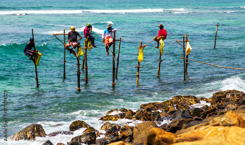 Photo fishermen in Indian ocean, Sri Lanka.