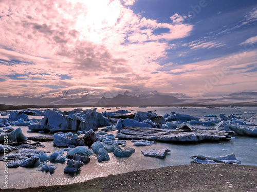 Foto op Aluminium Lichtroze Iceland landscape of Jokulsarlon Glacier Lagoon 2017
