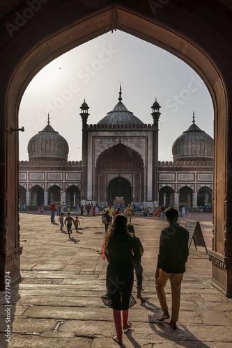 Zdjęcie XXL Spacerując wewnątrz Jama Masjid, meczet piątek, New Delhi, Indie