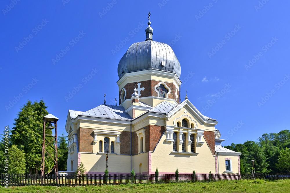 Fototapety, obrazy: Ancient orthodox church in Polany village near Krempna, Beskid Niski, Poland