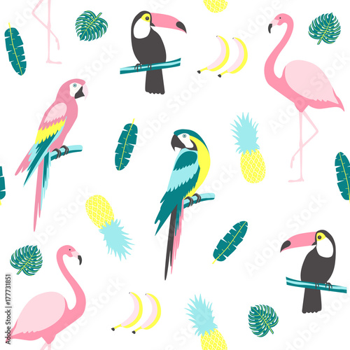 Photo Tropical seamless pattern with toucan, flamingos, parrot, cactuses and exotic leaves