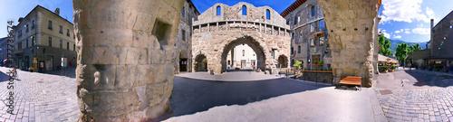 Aosta, porta pretoria a 360° Canvas Print