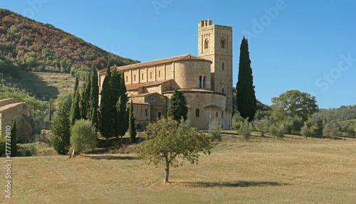 Montalcino, abbazia di Sant'Antimo vista dall'abside Canvas Print