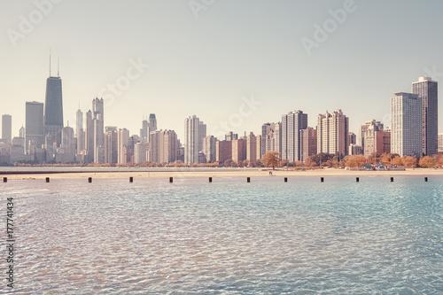 Fototapeta Rocznik tonująca fotografia Chicagowska miasto linia horyzontu widzieć od jezioro michigan, usa.