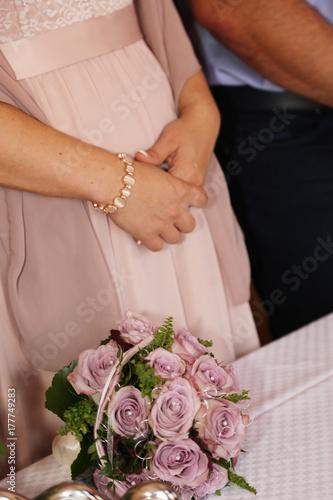 Braut Bei Standesamtlicher Trauung Kaufen Sie Dieses Foto Und