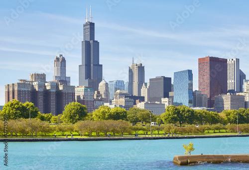 Plakat Chicagowska miasto linia horyzontu na słonecznym dniu, usa.