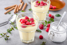 Vannila Berries Pudding