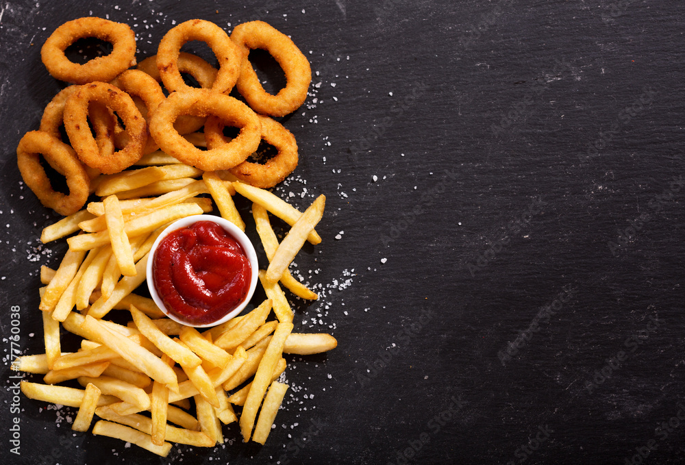 Fototapety, obrazy: onion rings and french fries with ketchup