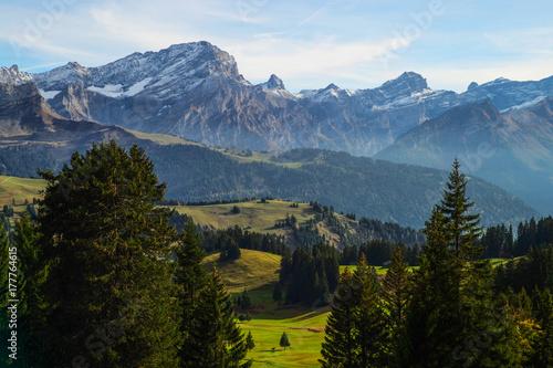 Plakat Widok Szwajcarscy Alps w jesieni, Villars, Szwajcaria