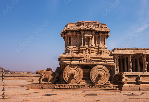 Photo  Stone Chariot at Vittala Temple, Hampi, India