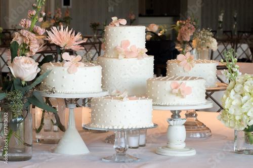 Zdjęcie XXL Polka Dot Wedding Cakes