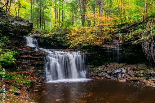 Zdjęcie XXL Jesień wodospad