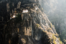 Taktshang Tigers Nest Monaster...