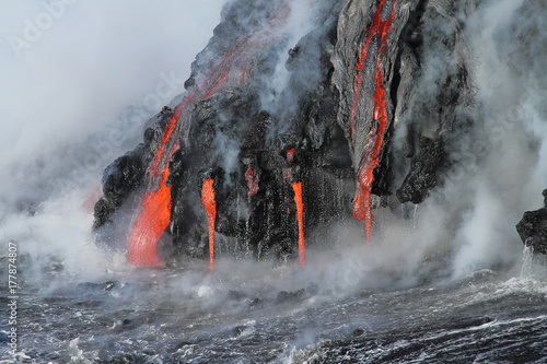 Poster Vulkaan Lava flows from the Kilauea volcano