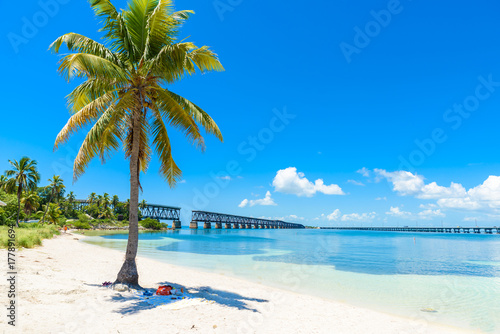 Photo  Bahia Honda State Park - Calusa Beach, Florida Keys - tropical coast with paradi