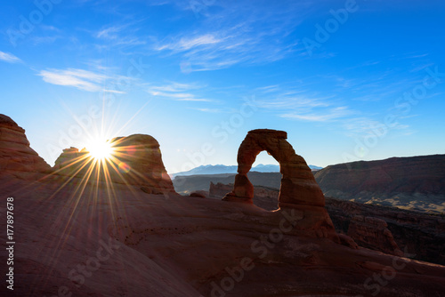 Arches national park, Delicate arch at sunrise Poster Mural XXL