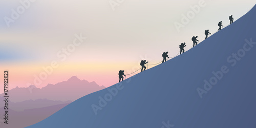 Photo alpinisme - montagne - alpiniste - symbole - union -ensemble - paysage - cordée