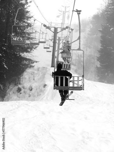 Foto op Aluminium Wintersporten ski lift landscape
