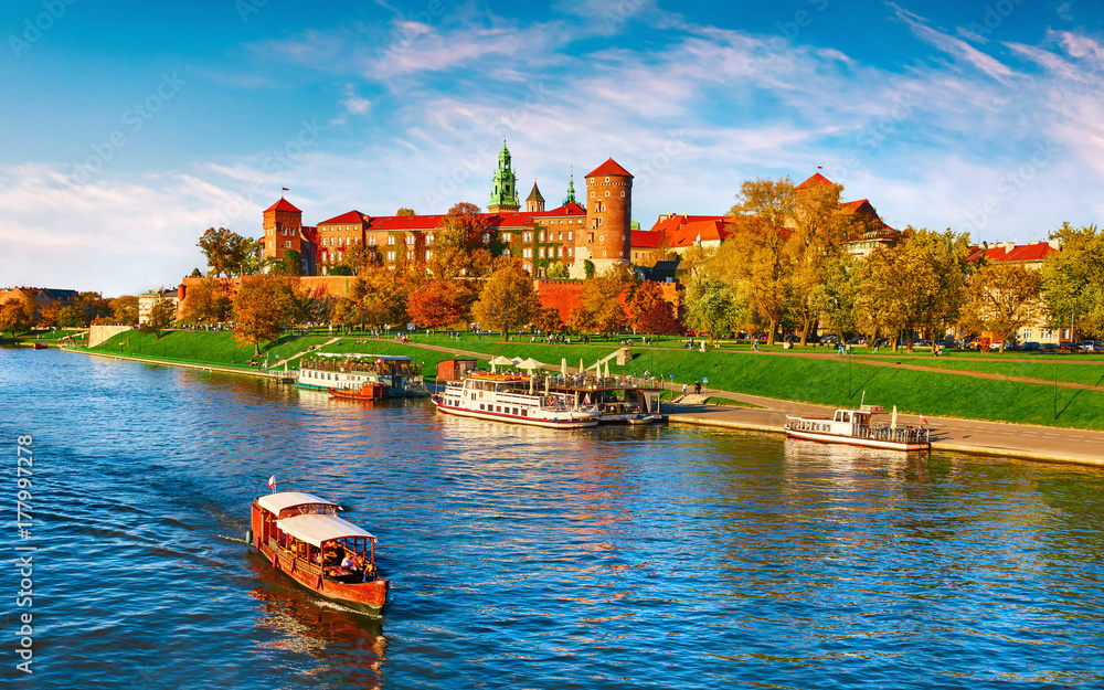 Fototapety, obrazy: Wawel castle famous landmark in Krakow Poland. Picturesque