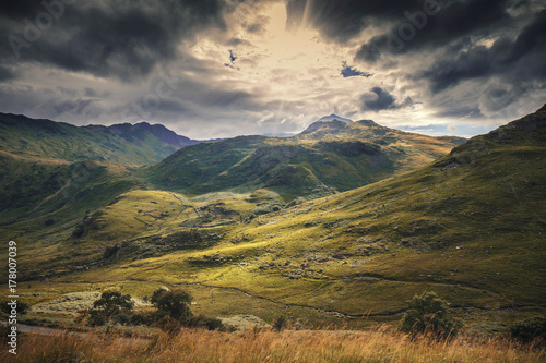 Fotografie, Obraz  Peaks of Snowdonia Hills in Autumnal Colours