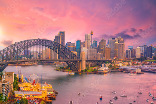 Cadres-photo bureau Rose banbon Downtown Sydney skyline