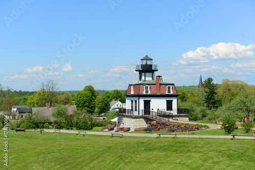 Obraz na plátně  Colchester Reef Light was a antique lighthouse at Colchester Point in Lake Champlain