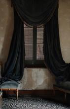 Royale Window