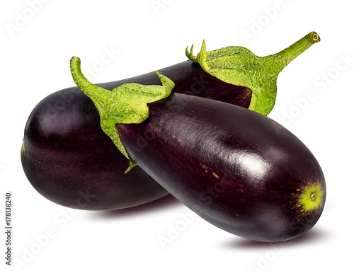 Photo  Fresh eggplant isolated on white background  with clipping path