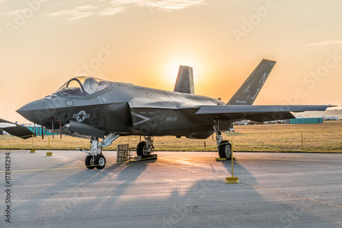 f-35-with-sun-rise
