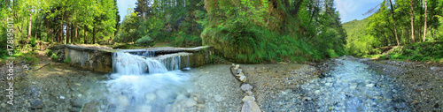 Photo sur Aluminium Pistache Trentino, fiume Chiese, panorama a 360°