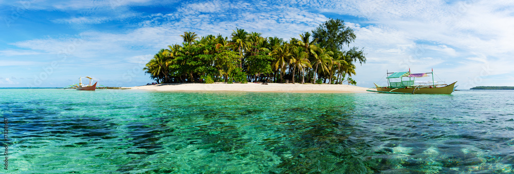 Fototapety, obrazy: Tropical Guyam Island with traditional fishing boats
