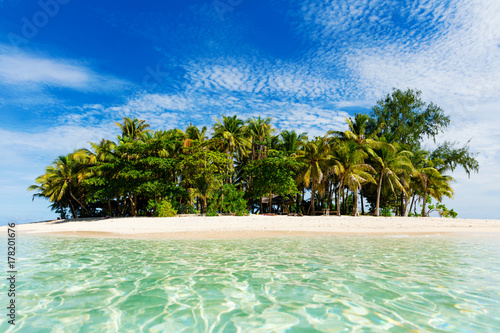 Tropical Guyam Island with traditional fishing boats Tablou Canvas